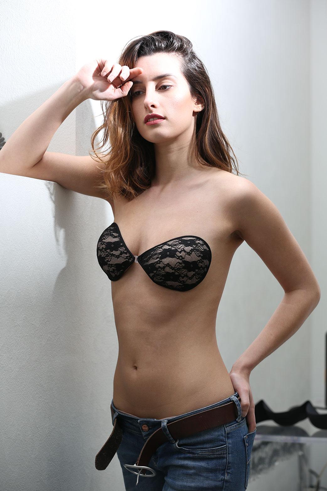 1da5854f8ffc8 [:fr]Soutien-gorge adhésif - Coques dentelle[:en]Black lace adhesive bra[:]